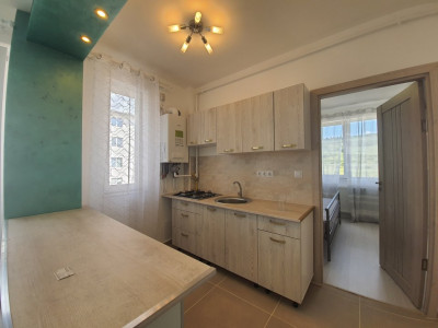 Apartament decomandat cu 2 camere in zona Tera-Nova din Floresti !