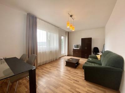 Apartament cu 3 camere si curte proprie!