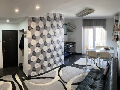 Apartament la cheie cu 2 camere decomandate in Plopilor!