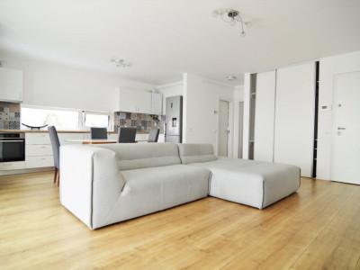 Apartament de 2 camere cu panorama deosebita si curte de 280mp!