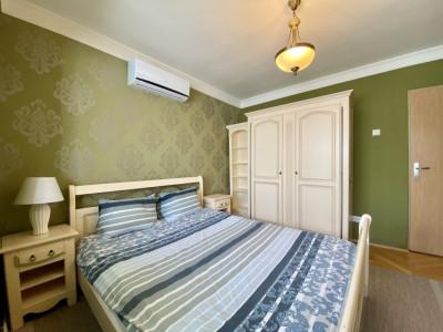 Apartament decomandat cu 3 camere!