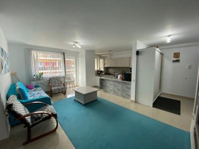 Apartament cu 3 camere spre vanzare in Floresti.