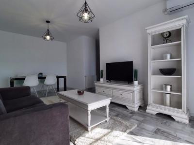 Apartament cu 2 camere in Park Lake, zona Iulius Mall!