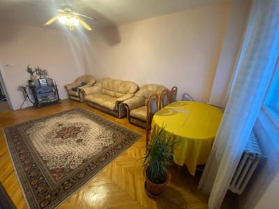 Apartament cu 3 camere de vanzare in Zorilor!