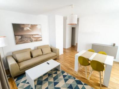 Apartament ultrafinisat si spatios cu 3 camere aflat la prima inchiriere