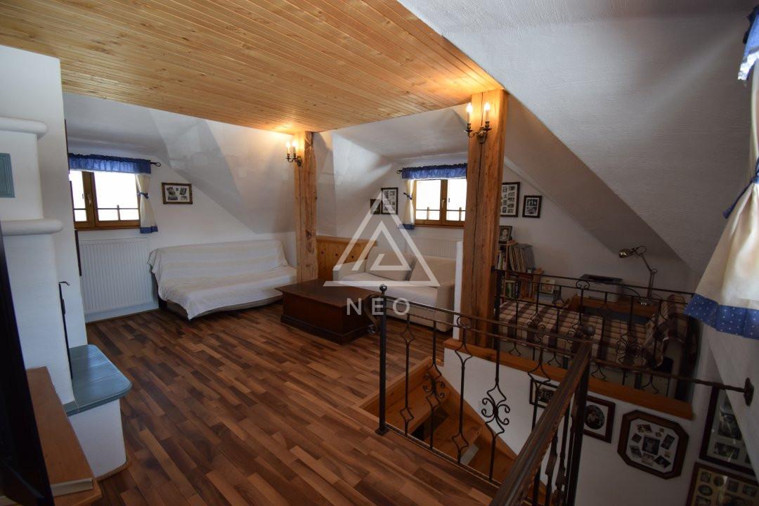 Casa deosebita de 180 mp cu sauna in Salicea 4