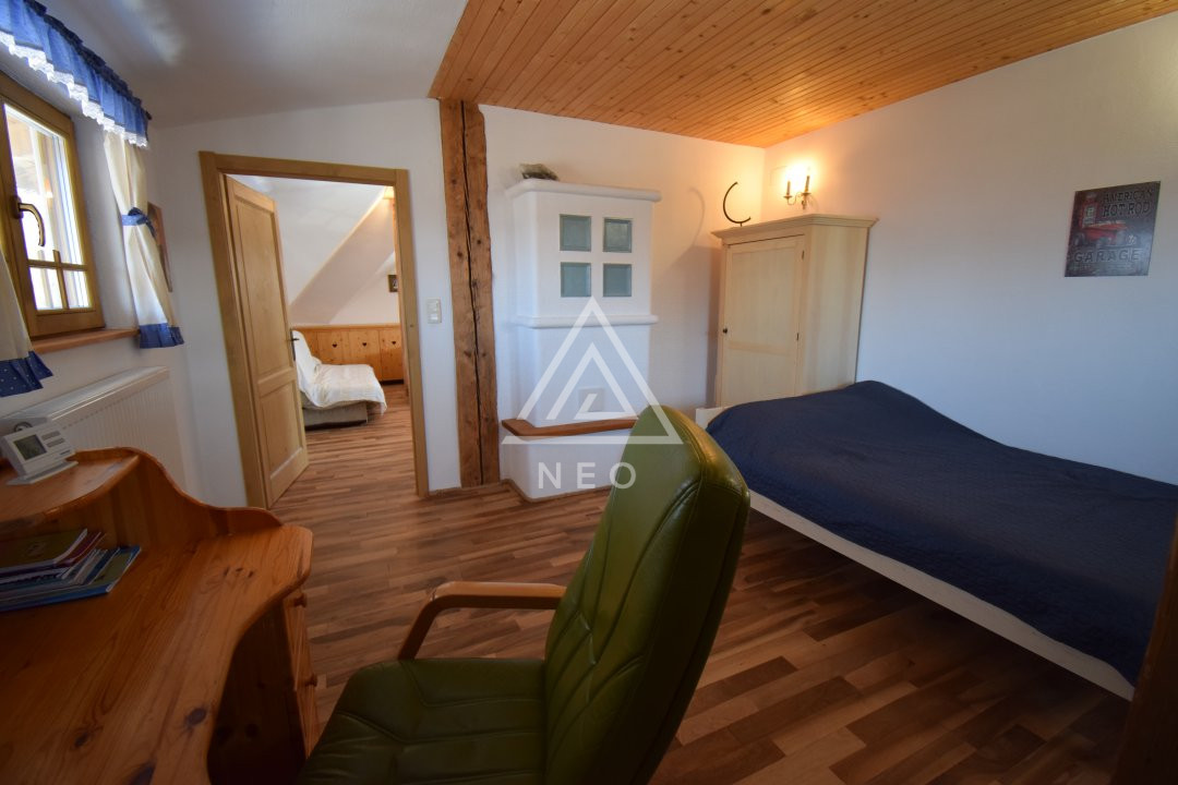 Casa deosebita de 180 mp cu sauna in Salicea 13