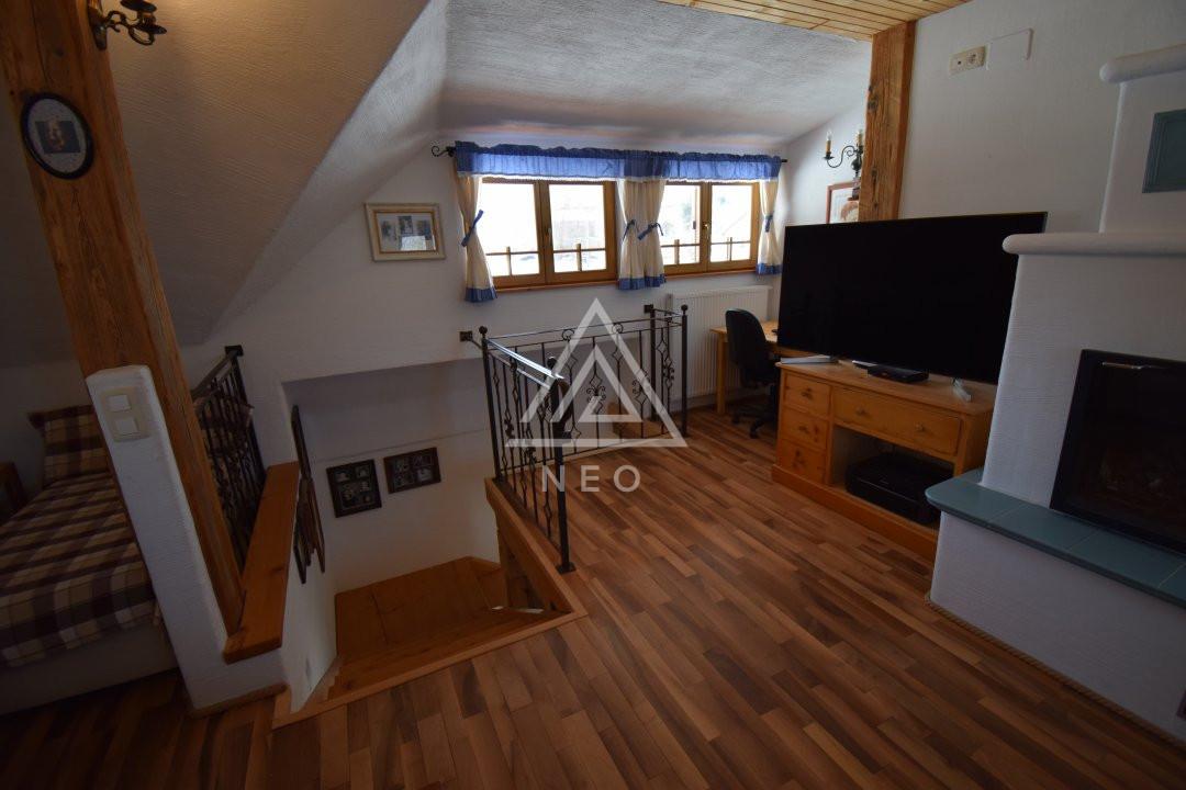 Casa deosebita de 180 mp cu sauna in Salicea 16