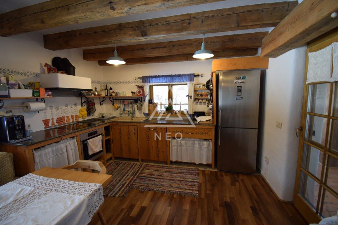 Casa deosebita de 180 mp cu sauna in Salicea 30